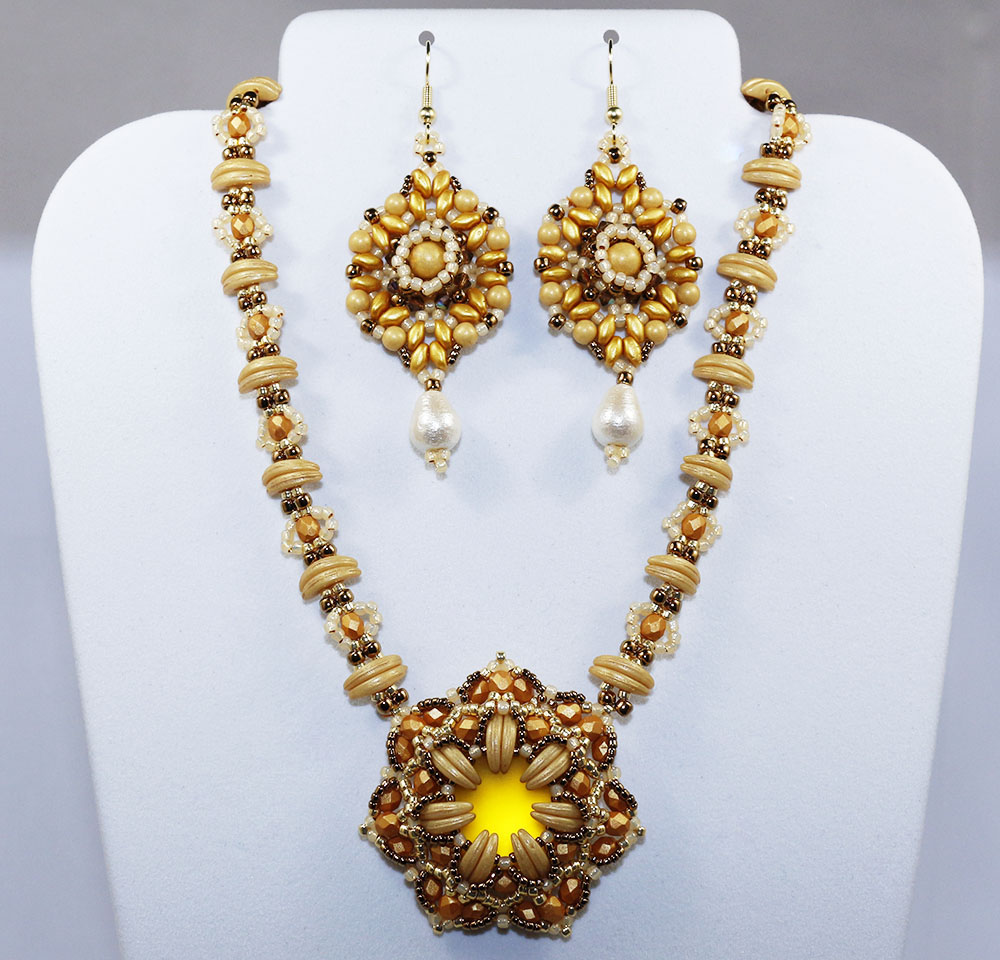 2016 fall fashion color spicy mustard for Mustard colored costume jewelry